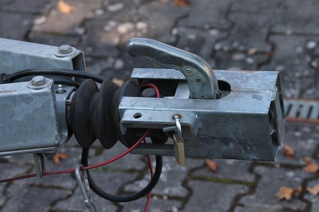 Spojka ťažného zariadenia na prívesný vozík