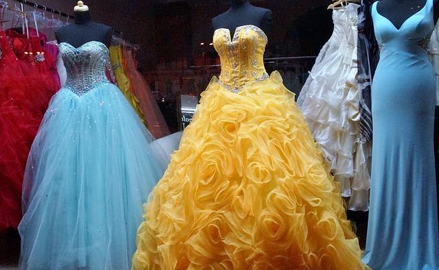 obchod s plesovými šatami